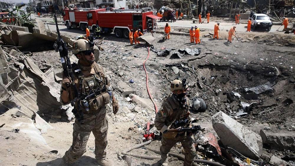 طالبان تشعل النار بمركز للتجنيد تابع للجيش الأفغاني