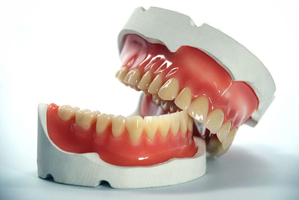 كيف تحمي أسنانك من التسوس؟.. إليك 8 نصائح ذهبية