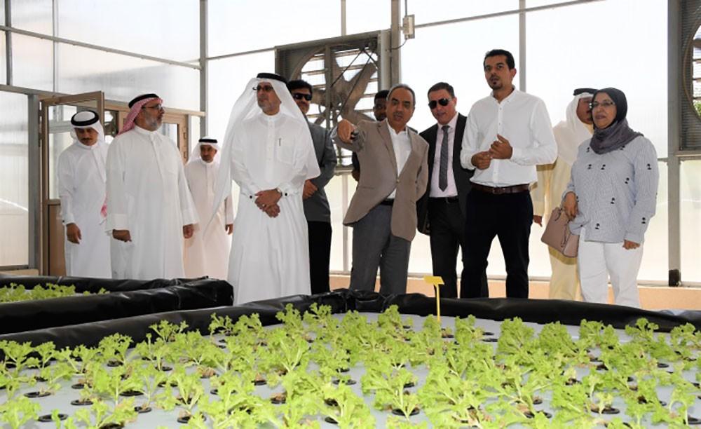 وزير البلديات يؤكد أهمية الشراكة مع القطاع الخاص للنهوض بالأمن الغذائي