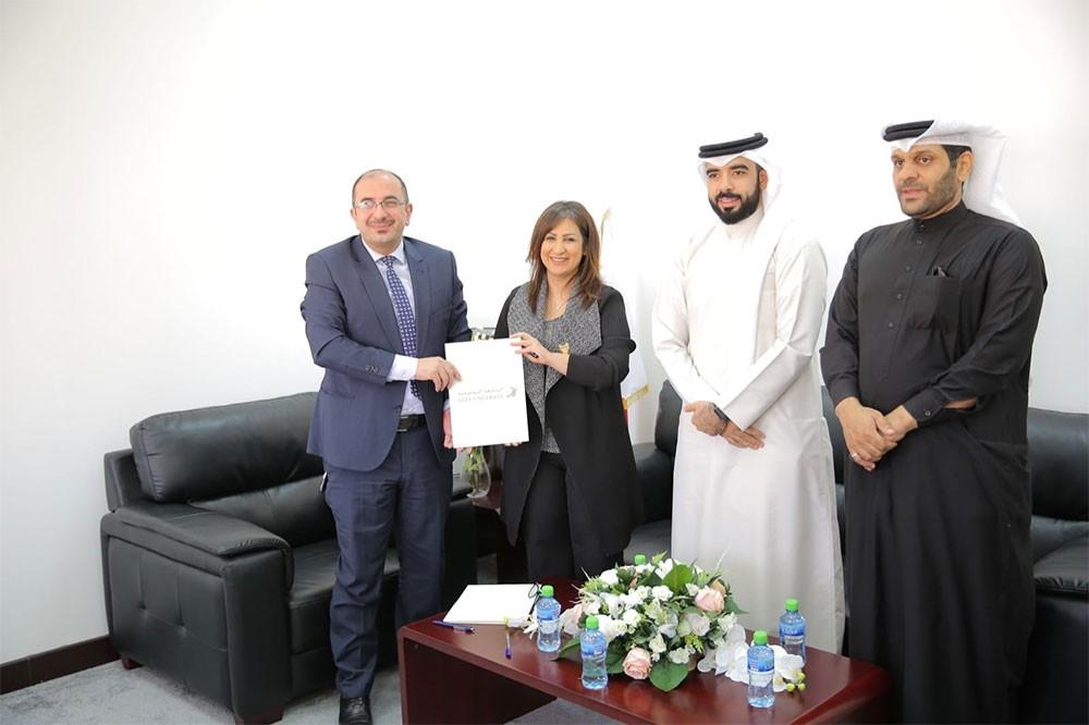 الجامعة الخليجية وجمعية الصحفيين توقعان اتفاقية تعاون