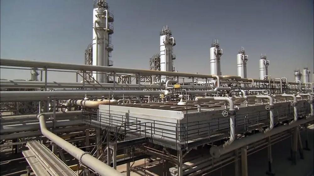 أسعار النفط على موعد مع قفزة غداً.. قد تصل لـ10 دولارات