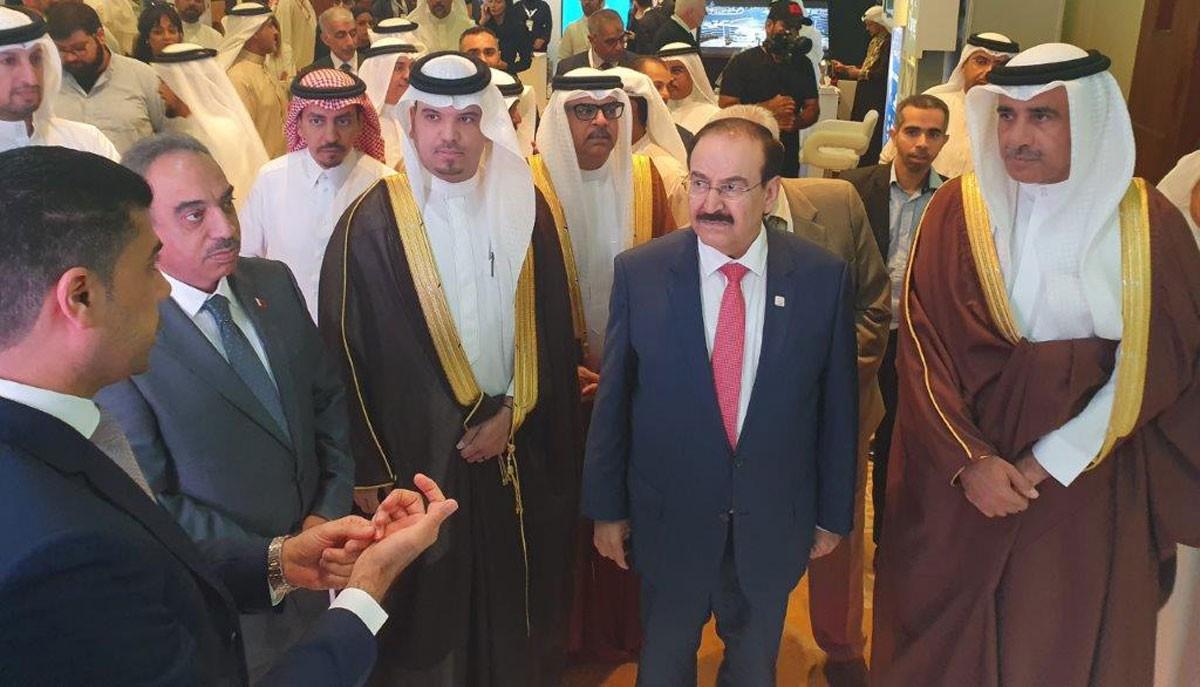 وزير الأشغال يفتتح (قمة البحرين للمدن الذكية 2019)