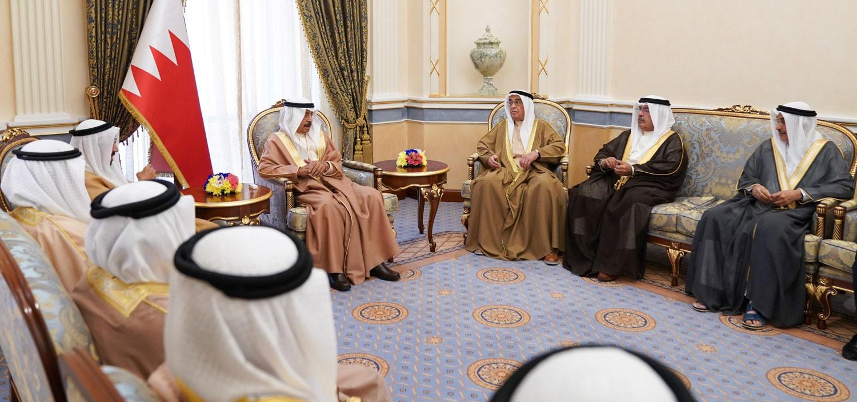 سمو رئيس الوزراء: موقف البحرين ثابت في دعم ومساندة السعودية