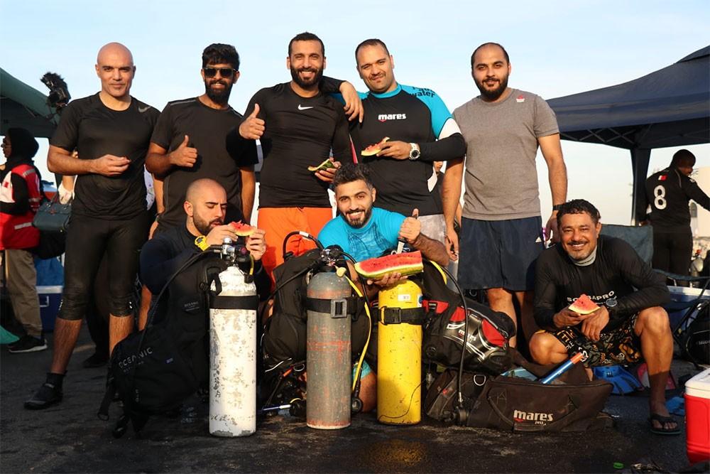 حملة بحرنا نظيف تواصل عملها بتنظيف مرفأ سترة