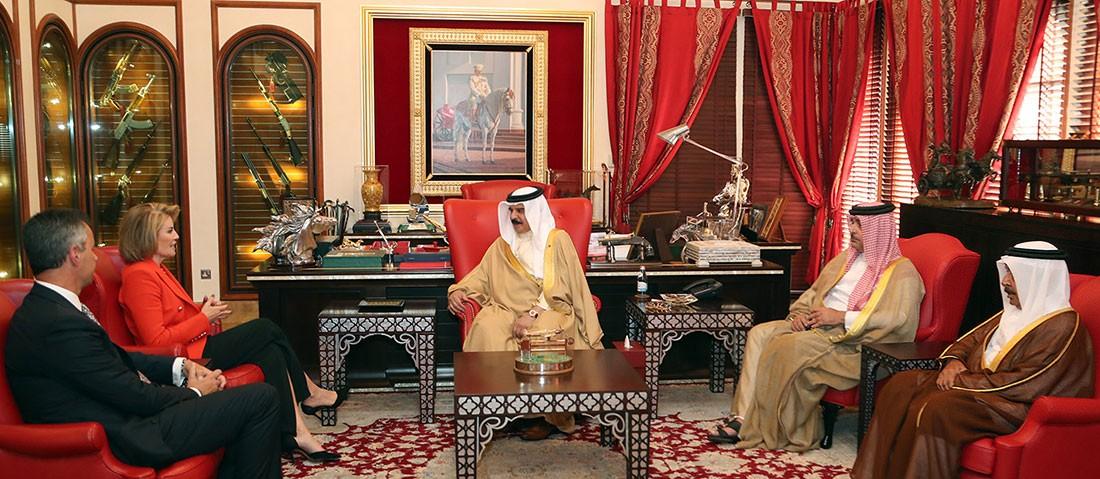 جلالة الملك المفدى: المملكة تحظى بكفاءات وطنية حققت نجاحات رائدة في مجال تكنولوجيا الاتصالات والمعلومات