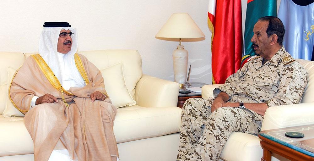 القائد العام يستقبل وزير الداخلية