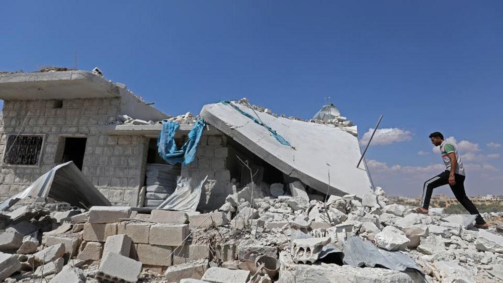 """تحقيق أممي.. """"نصف مليون مدني نزحوا من إدلب"""""""