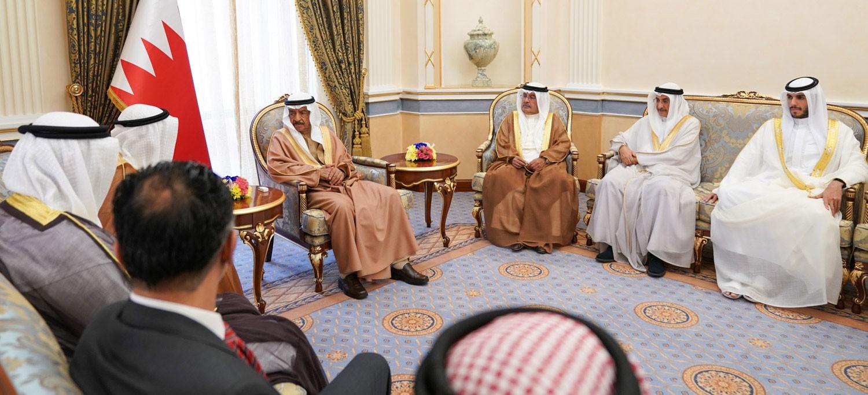 سمو رئيس الوزراء يستقبل مجلس إدارة جمعية البحرين لتنمية المؤسسات الصغيرة والمتوسطة