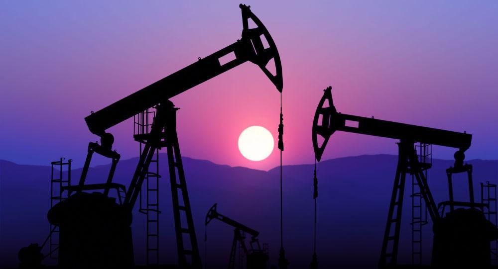 انخفاض أسعار النفط بنسبة 1% بعد ارتفاعها أمس 13%
