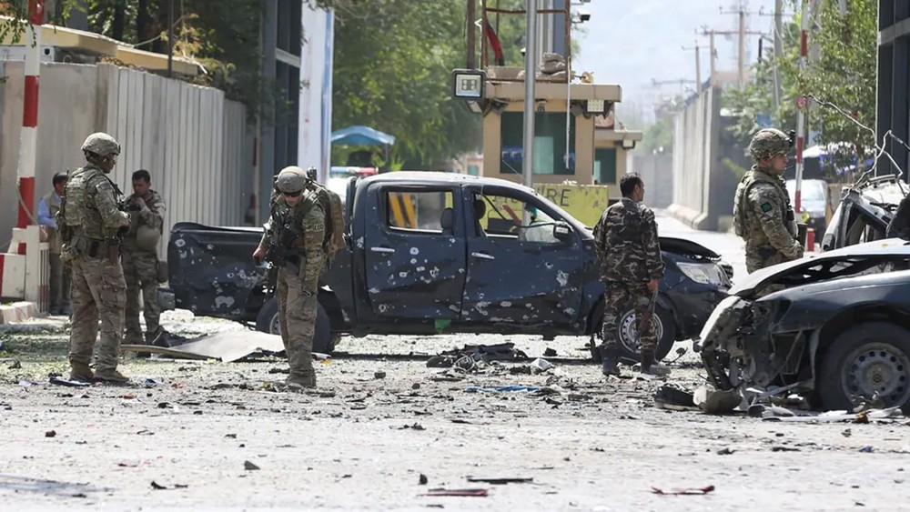 أفغانستان.. 20 قتيلاً وعشرات الجرحى بهجوم بسيارة مفخخة