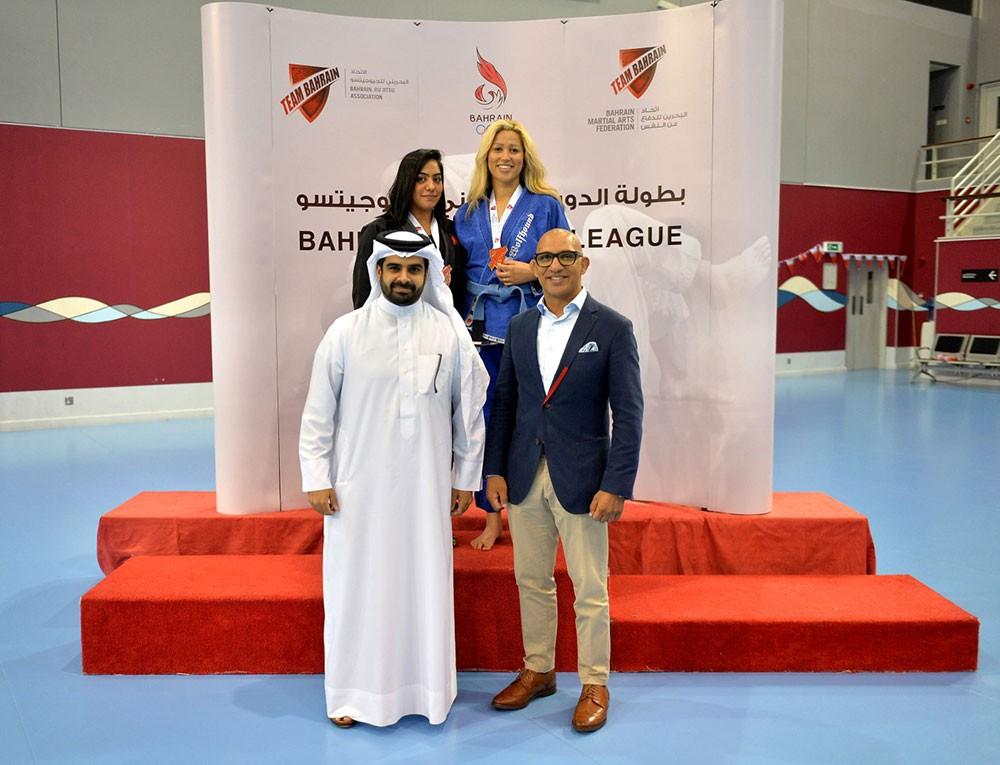 """""""ديبرا"""" تحصد ذهبية فئة السيدات بالجولة الثانية للدوري البحريني للجوجيتسو"""