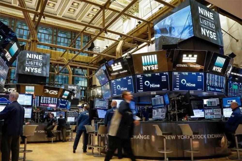 أداء ضعيف للأسهم الأميركية عند الفتح بفعل توترات سياسية