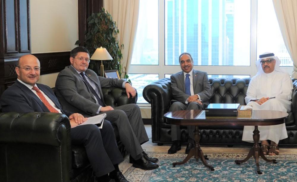 وزير الأشغال: نتطلع للاستفادة من الخبرات البريطانية في مجال التعمير والبنى التحتية