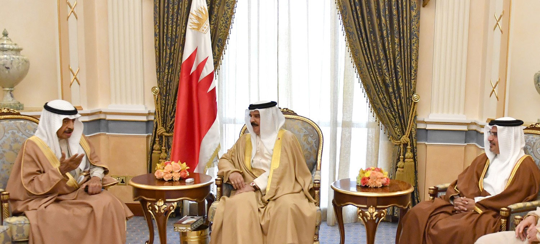 جلالة الملك يجتمع مع سمو رئيس الوزراء وسمو ولي العهد