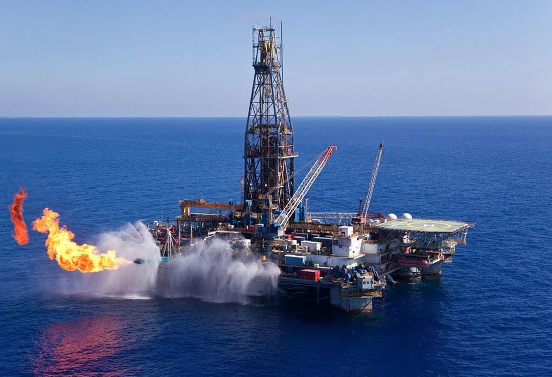 مصر تخفض سعر الغاز للصناعة إلى 5.50-6.00 دولارات للمليون وحدة حرارية