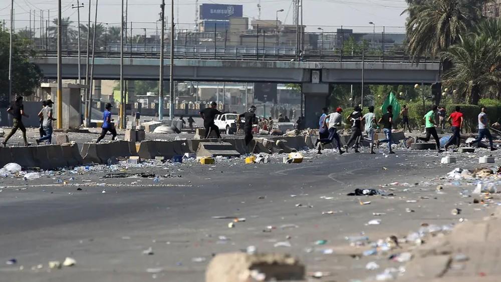 تجدد التظاهرات وسط بغداد.. وإطلاق للرصاص الحي