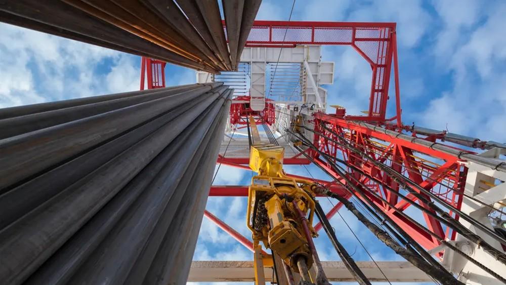 """شكوك تكتنف """"اتفاق التجارة"""" والنفط يواصل خسائره"""