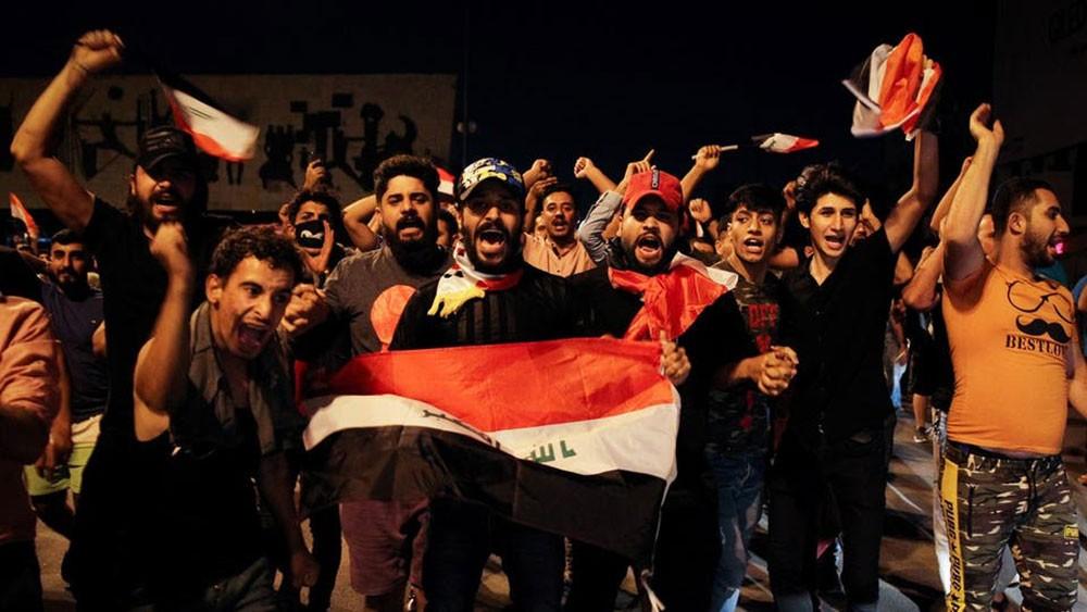 تضامناً مع المتظاهرين.. استقالة 4 نواب عراقيين