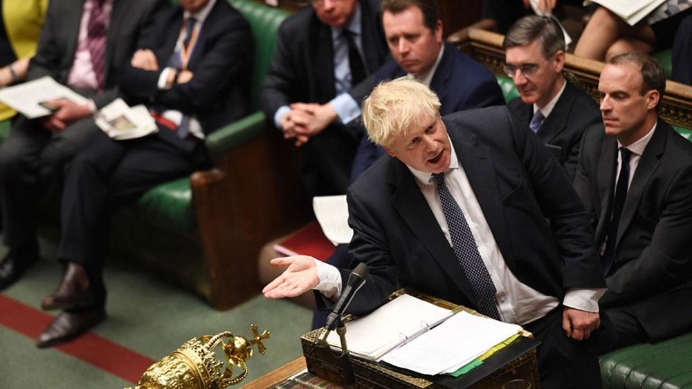 برلمان بريطانيا يرفض دعوة جونسون لإجراء انتخابات مبكرة