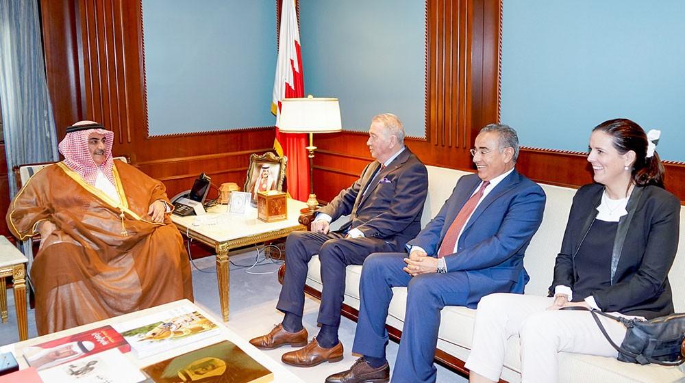"""وزير الخارجية يستقبل رئيس المعهد الدولي للسلام """"IPI"""""""