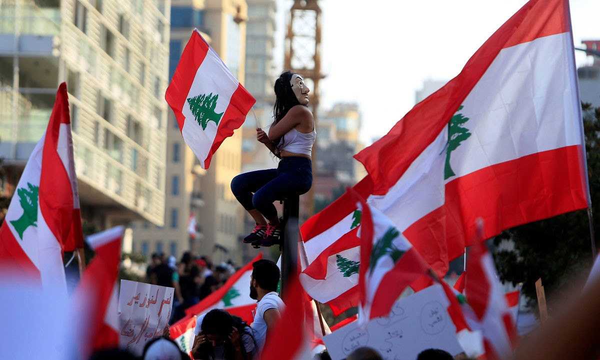 """مظاهرات لبنان تستمر """"في هدوء"""".. والسقف """"المطالب كلها"""""""