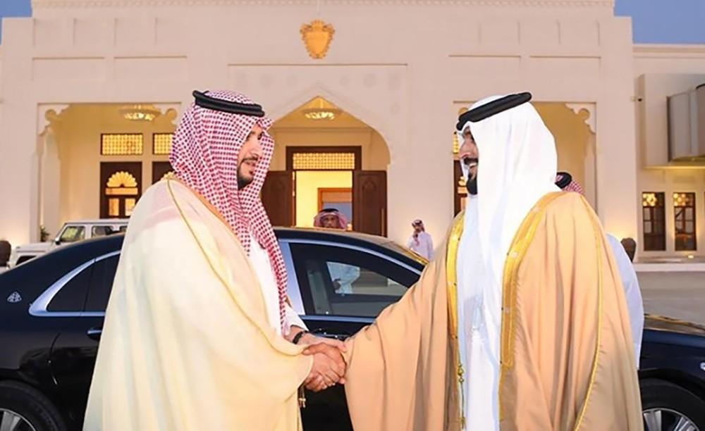 سمو الشيخ ناصر بن حمد يرحب بزيارة سمو الأمير تركي بن محمد بن فهد إلى المملكة