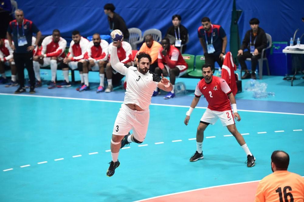 باربار يخسر من الوحدة ويلتقي عمان غداً
