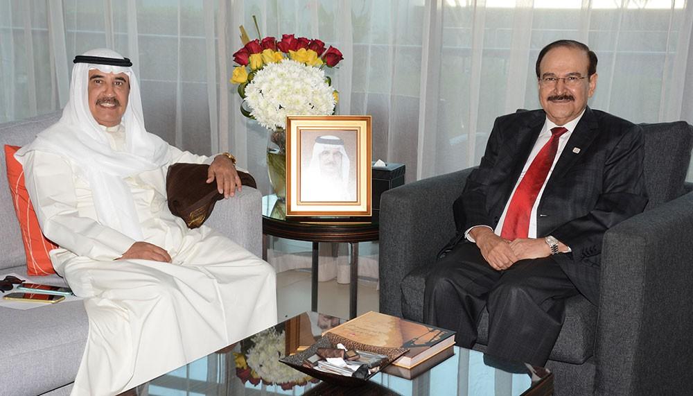 ميرزا يبحث مع الشركة العربية البحرية مجالات التعاون في الطاقة المستدامة