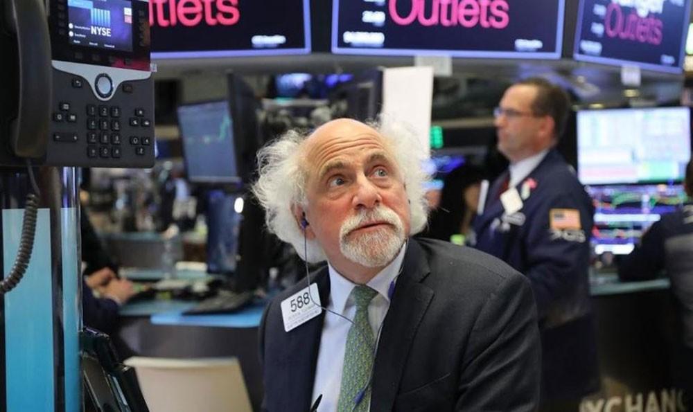 بورصة وول ستريت تتراجع من مستويات تاريخية بعد تقرير قوض أجواء التفاؤل بشأن التجارة