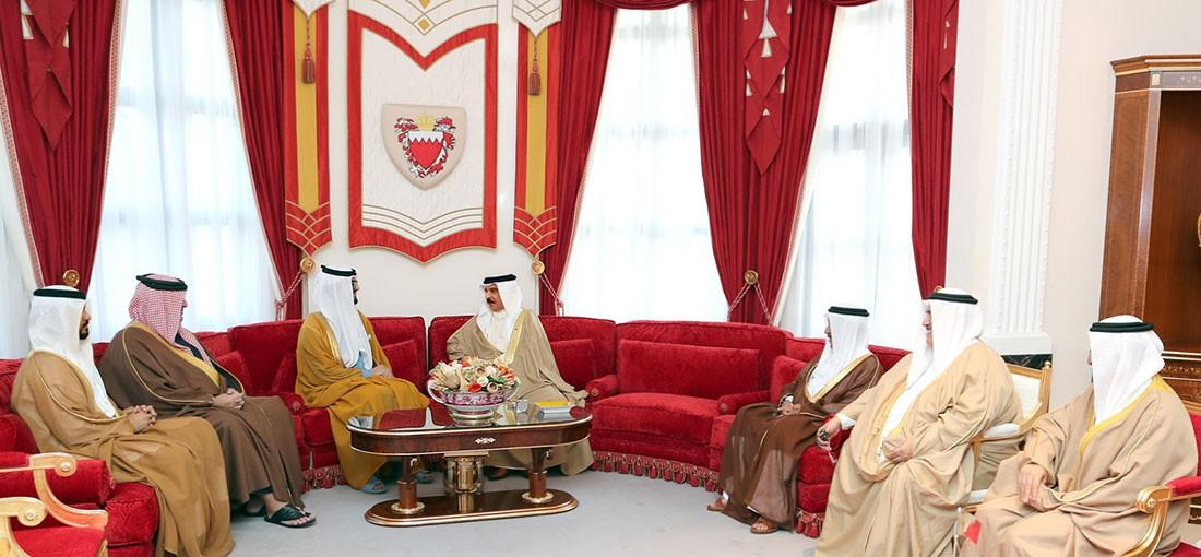 جلالة الملك المفدى يستقبل سفير دولة الإمارات العربية المتحدة لدى المملكة