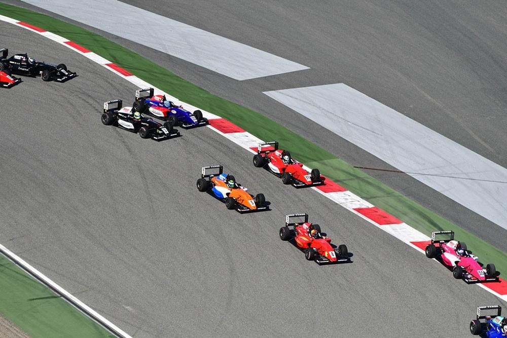 انطلاق الجولة الثانية من بطولة MRF الدولية في سباق بابكو البحرين للتحمل 8 ساعات