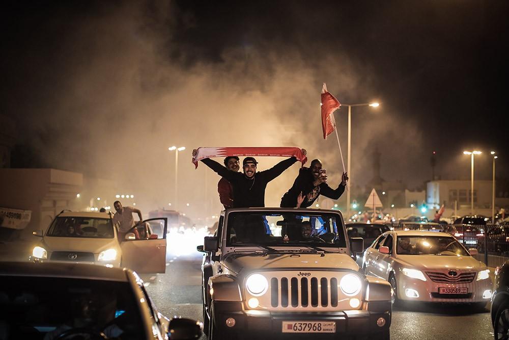 بالصور: أمواج بشرية تضيء ليل البحرين فرحا بكأس خليجي 24
