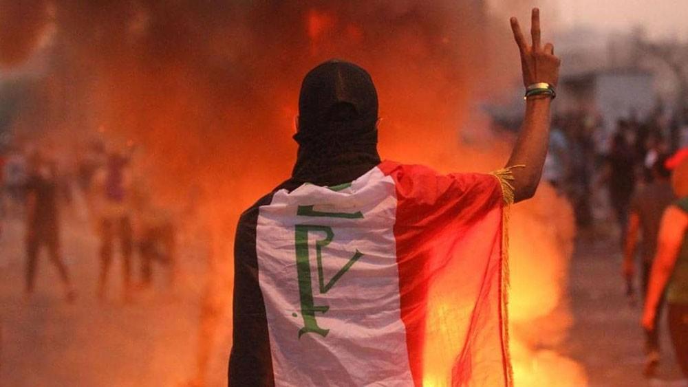 """تظاهرات حاشدة في بغداد.. و""""القبعات الزرقاء"""" تصد """"المندسين"""""""