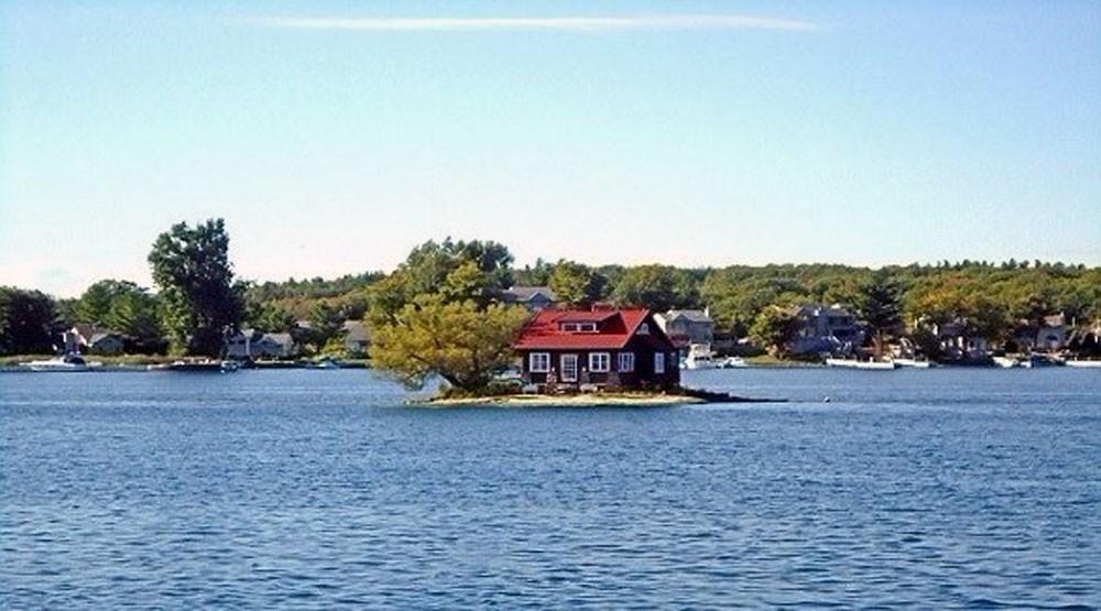 أصغر جزيرة مأهولة في العالم