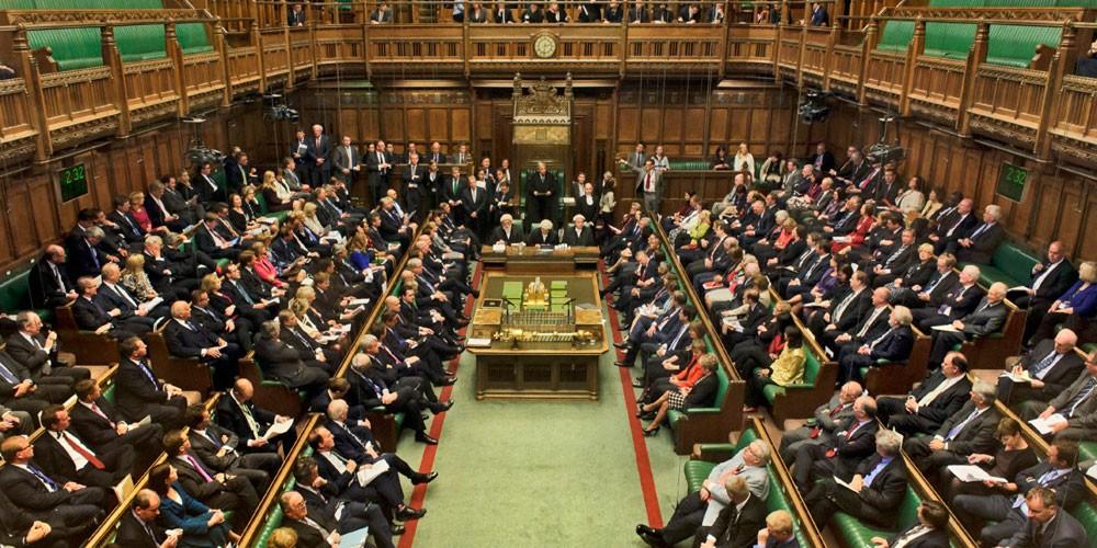 """البرلمان البريطاني """"يمنع النوم""""!"""