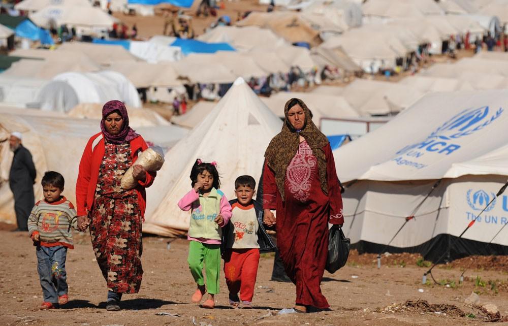 لبنان يجمد طلبات إقامة مفوضية اللاجئين