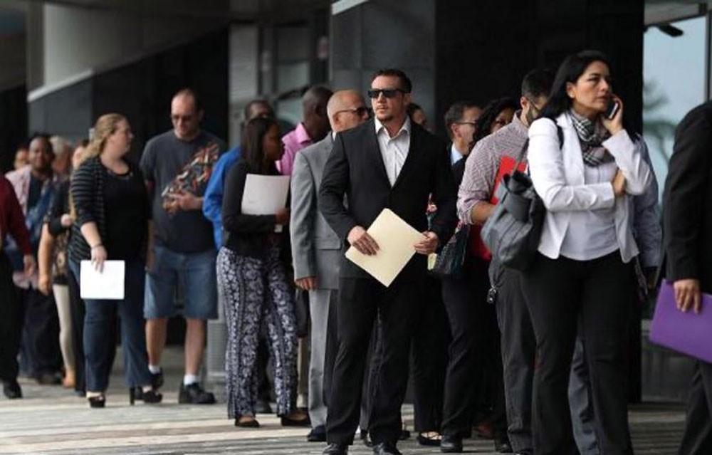 طلبات إعانة البطالة الأميركية تهبط لأدنى مستوى