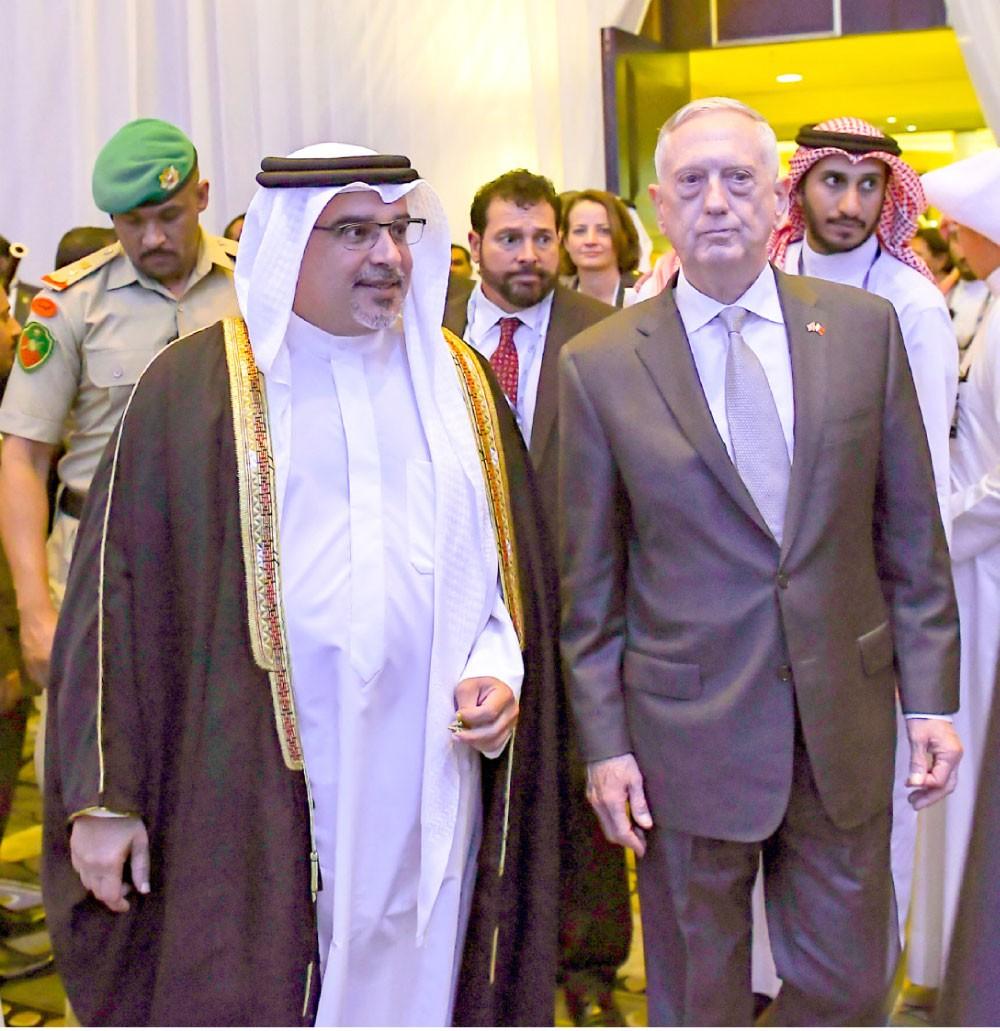 سمو ولي العهد في افتتاح حوار المنامة: توحيد المساعي للقضاء على جذور الإرهاب