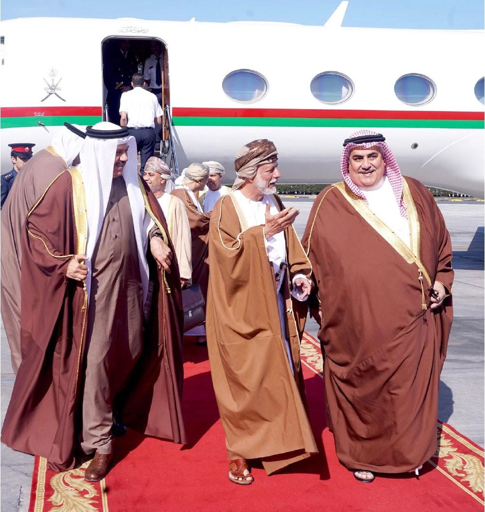 وزير الخارجية يؤكد عمق العلاقات الأخوية