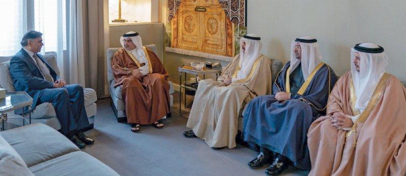 سمو ولي العهد يستعرض الاهتمامات المشتركة مع السفير الهندي