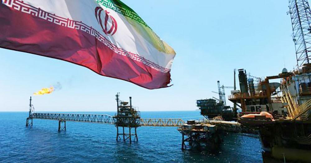 إيران تُزوّر وثائق عراقية لتصدير النفط