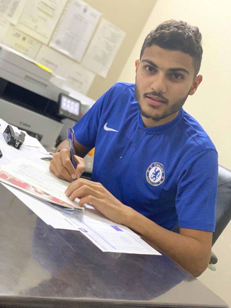 عبدالعزيز الشيخ يجدد للبسيتين موسمين