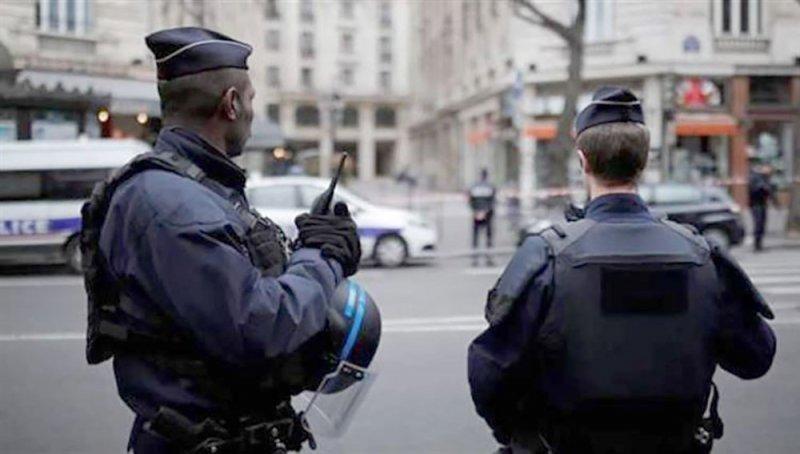 فرنسا تفكك خلية خططت لمهاجمة دور عبادة