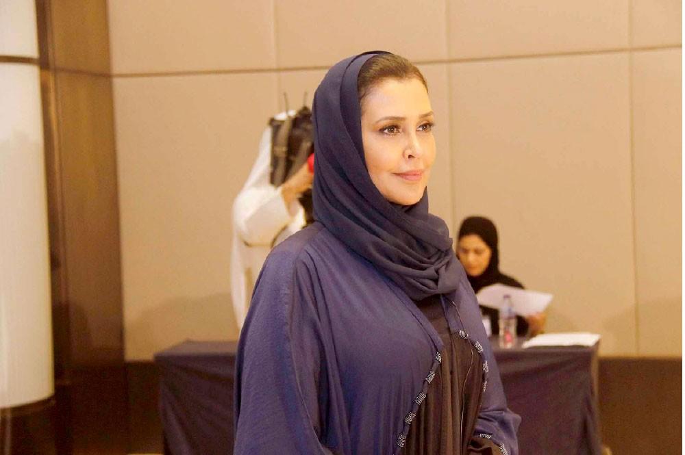 الفاضل تقترح يوما سنويا للاحتفاء بالمعلم البحريني