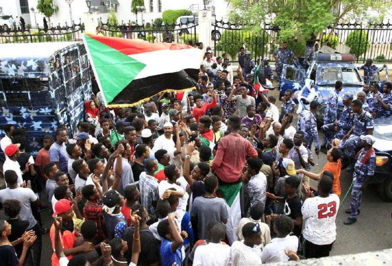 """""""السيادي السوداني"""" يؤدي اليمين اليوم"""