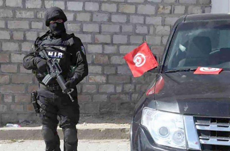 """تونس.. مقتل ضابط و3 """"إرهابيين"""" في اشتباك"""