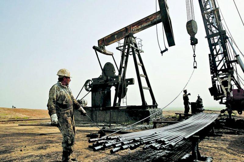 النفط ينخفض مع جولة رسوم أميركية صينية جديدة