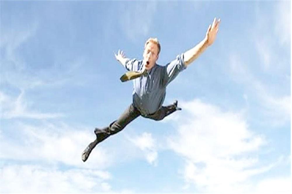 مفسر أحلام يوضح رؤية الطيران من مكان لآخر في المنام
