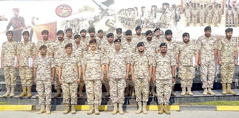 تخريج دورة عسكرية متخصصة للضباط
