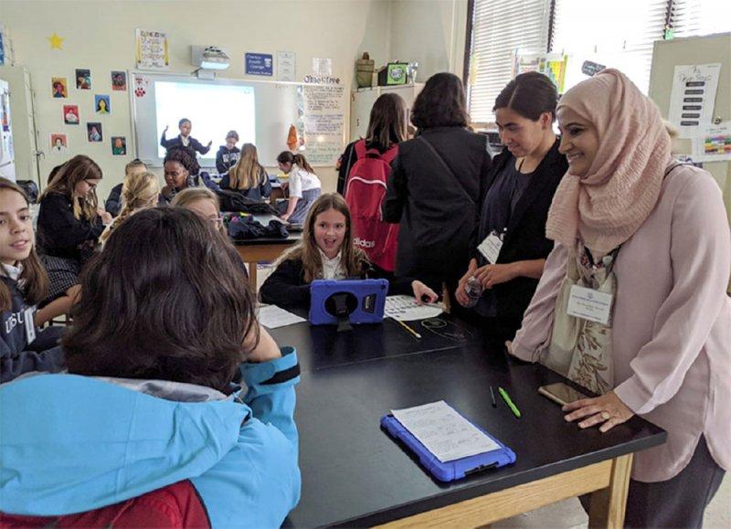 عرض تجربة المرأة البحرينية التقنية بأميركا